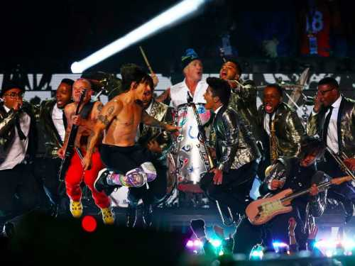 bruno-mars-and-the-red-hot-chili-peppers-take-over-super-bowl-halftime-show